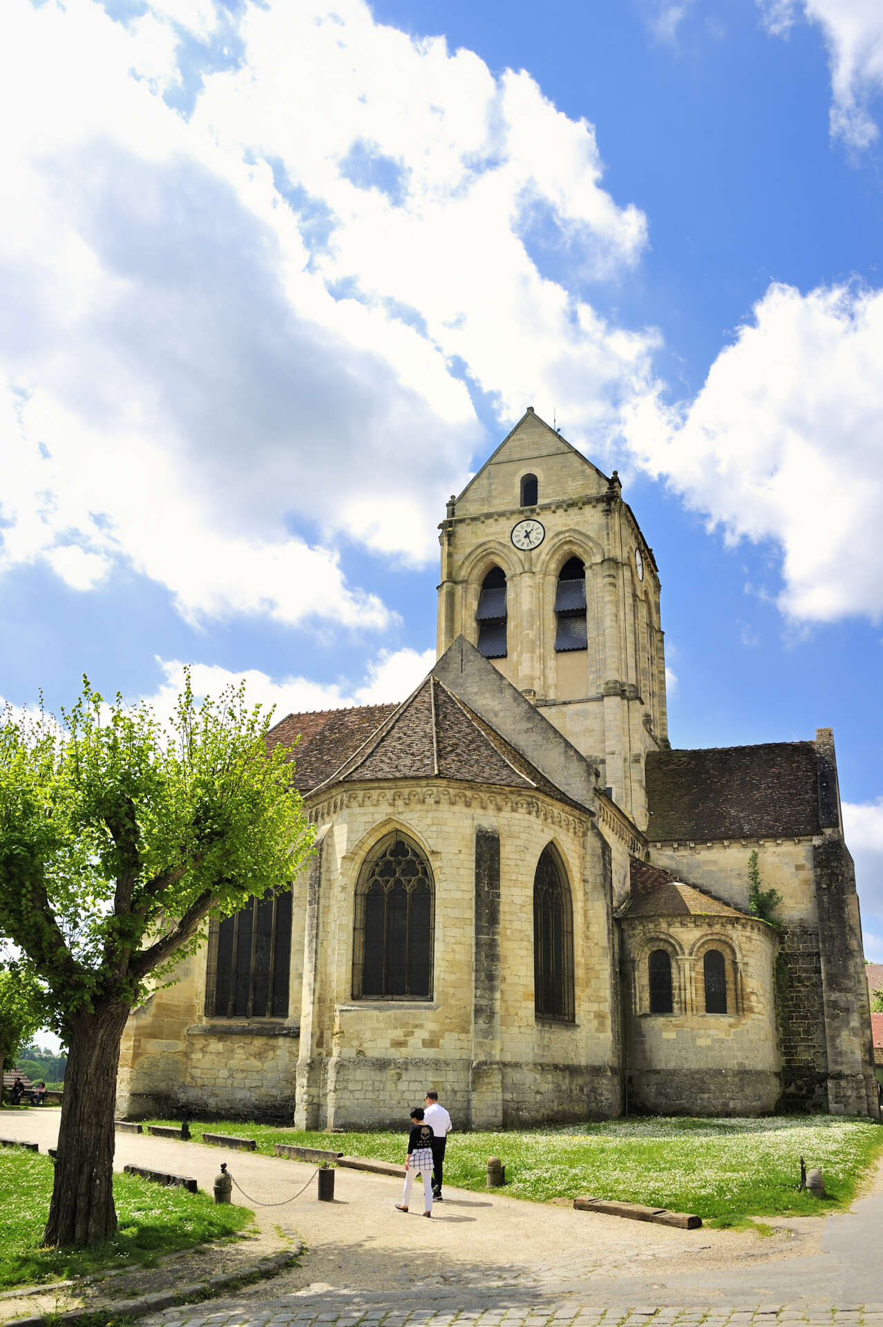 Village des Impressionnistes, l'église peinte par Vincent Van Gogh Auvers-sur-Oise © CRT IDF/Tripelon-Jarry